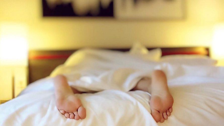 こどもの寝相が悪い!足げりがこわい時は快眠ドームで顔周りをガード!