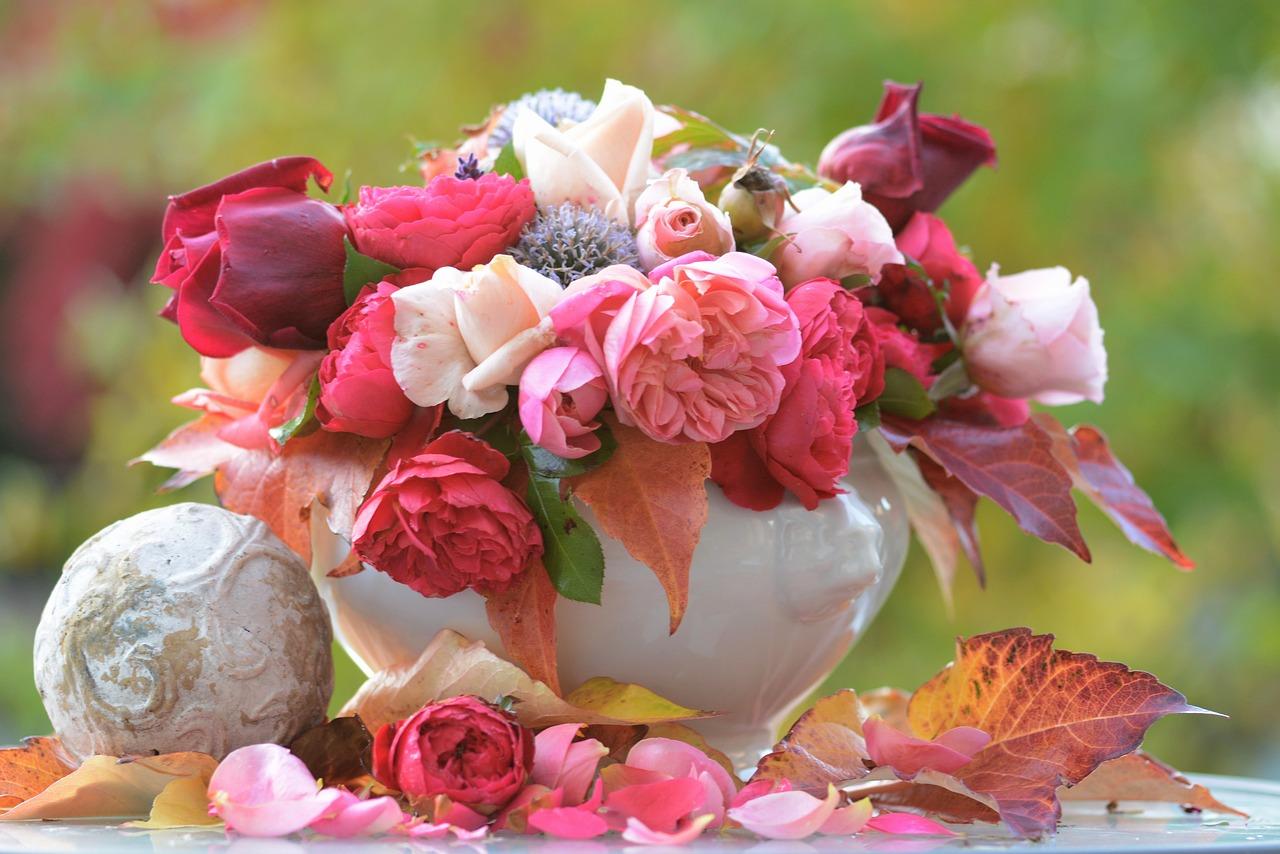 華やかなお正月生花アレンジメント・お正月寄せ植え特集! 実家や大切な人へのお歳暮にもOK。