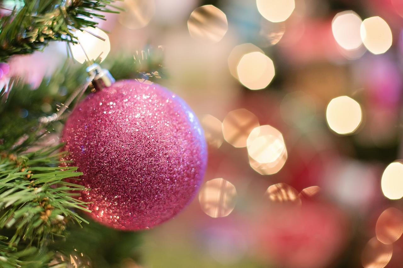 お洒落な缶のスチームクリームのクリスマスのギフト! 子育てを頑張っているママ友や奥様に。