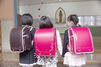 入学式の女の子